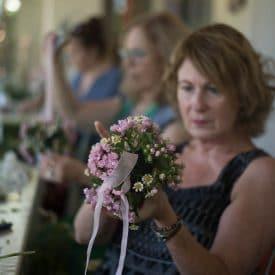קורס שזירת פרחים מתחילים - שיעור שזירת כדורון תלוי