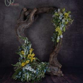 עיצוב אירועים - מסגרת פרחים לקבלת פנים