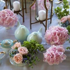 שזירת פרחים שולחן מוזהב