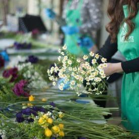 קורס שזירת פרחים מתחילים- שיעור זר כלה
