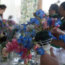 קורס שזירת פרחים מתקדמים - שזירת זר כלה נשפך