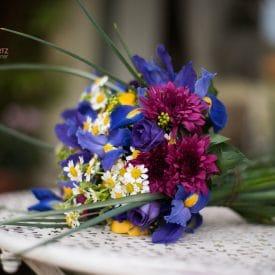 אורית הרץ - עיצוב זר כלה קשור - פרחי חורף