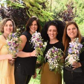 קורס שזירת פרחים מתחילים - עיצוב פרחים על בקבוק יין