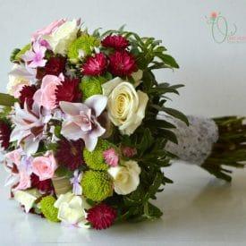 אורית הרץ - שזירת פרחים - עיצוב זרי כלה