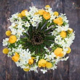 אורית הרץ - עיצוב פרחים בפורמה