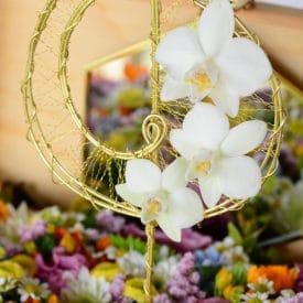 """ליאורה צדוק פרויקט סיום קורס שזירת פרחים מתקדמים - אורית הרץ - ביה""""ס ללימודי עיצוב ושזירת פרחים"""