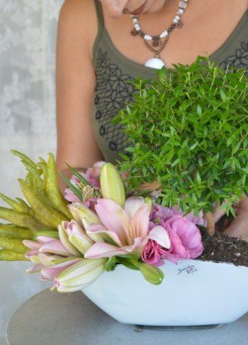 הדרכה צעד אחר צעד שזירת סידור פרחים בשילוב מוטיבים מחג הסוכות